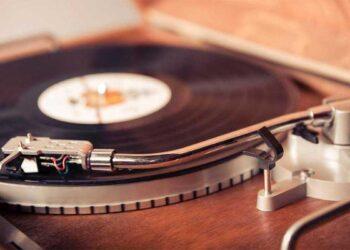 recuerda esos tiempos de oro con un tocadiscos vintage
